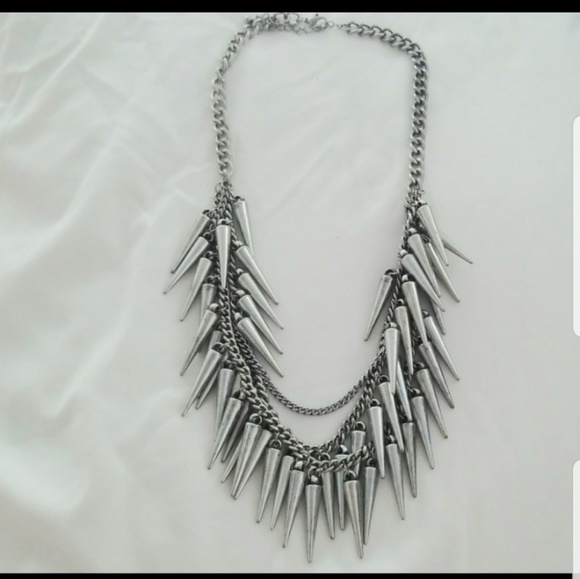 Forever 21 Jewelry - Silver spike necklace